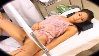320x180 - 【美熟女レイプ】『先生…やめてください…』産婦人科に来た美乳美人妻が悪徳医師に診察を受けていたらレイプされてしまった!!
