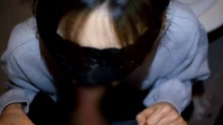 2021 05 07T142645.177 320x180 - 【変態美人妻 無修正 目隠し】ドMな奥様をトイレに連れ込み目隠しして勃起チンコを舐めて感度上昇中♡ぎこちない手コキフェラで白濁精液を大量顔射!!!